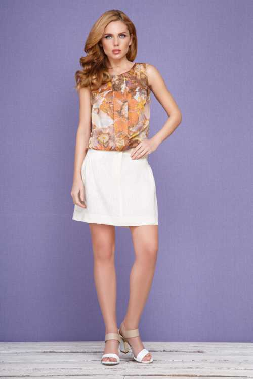 У нас вы можете купить оптом модные и современные женские шорты от известных производителей