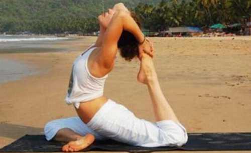 Не допускайте резких движений, весь комплекс упражнений следует выполнять медленно и не спешить