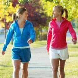 Польза ходьбы для мужчин связана с тем, что снимаются застойные процессы в области малого таза