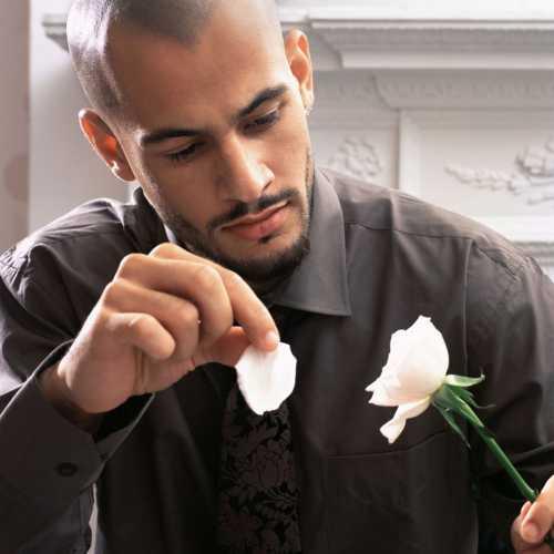 Симптомы влюбленного в вас мужчины