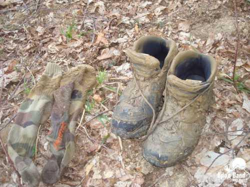 Это ботинки для маршрутов по пересеченной местности или среднегорья до м такие модели обеспечивают лучшую защиту и более плотную фиксацию голеностопа и стопы они более прочные и износо стойкие, чем обувь для хайкинга