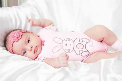 Как бы то ни было на самом деле рождение ребёнка это всегда радостное знаменательное событие в жизни семьи и общества в целом