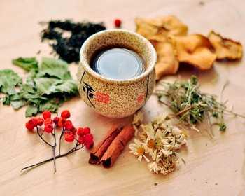 К полезным свойствам зеленого чая следует отнести и его способность выведения из организма радиоактивных веществ
