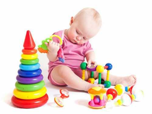 Поэтому даже самые красивые игрушки должны состоять из достаточно крупных частей, которые нельзя или очень сложно отделить от основного корпуса