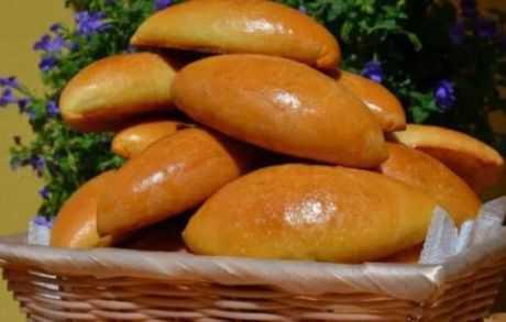 Способ приготовления дрожжевых жареных пирожков с картошкой