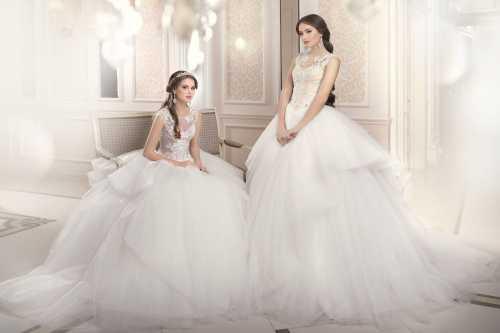 Единственная тонкость, которую стоит учесть при подборе греческого свадебного платья, касается формы открытого лифа