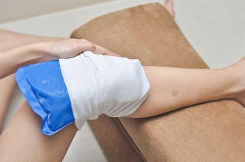 От этого усиливается отек, гематома приобретает довольно крупные размеры, отчего соседние ткани и органы испытывают давление, и их целостность и функционирование могут быть нарушены