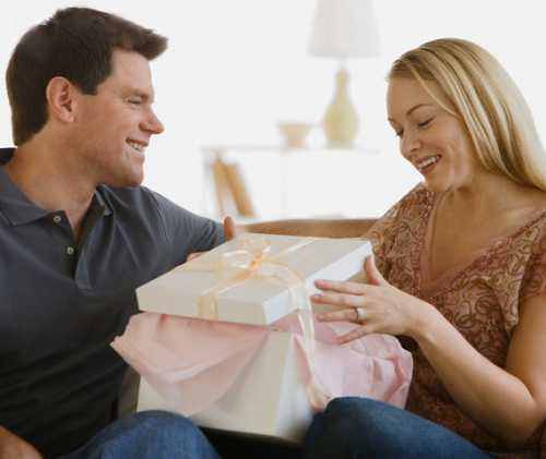 Поскольку самым крутым подарком будут экстремальные или романтические ощущения