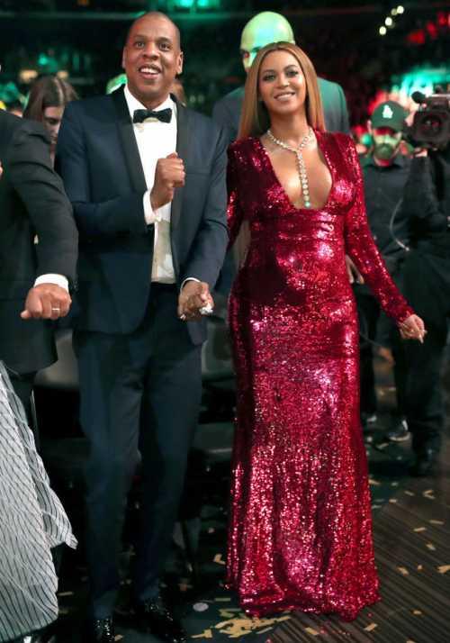Невеста Меган Маркл украсила сразу две обложки модных журналов