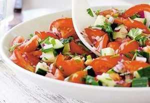 Узнай рецепт салата из свежих помидоров, секреты