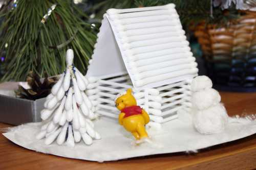 Для создания пластилинового снеговика