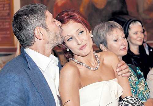 Джоли и Питт перестали платить по счетам