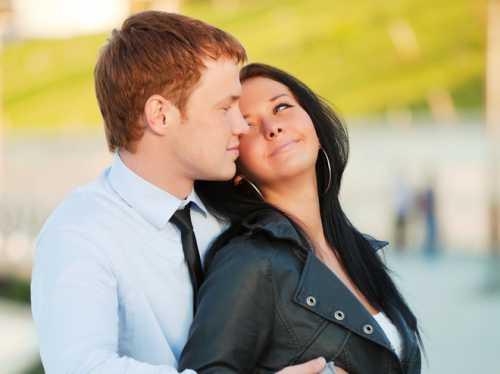 Лучший вариант чтобы заставить мужчину жениться, это показать ему, что вы для него больше всего подходите, чем другие женщины или девушки